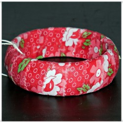 Red Blooms Fabric Bangle
