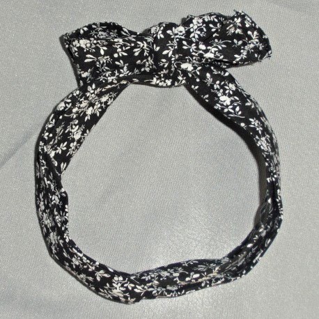 Black and White Floral Wired Headband